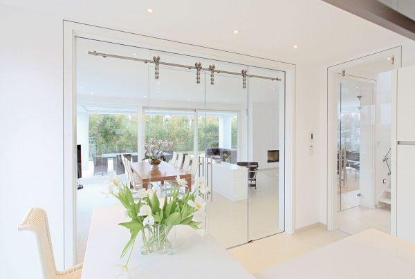 Glazen schuifwand van interieurglas, veilig hardglas